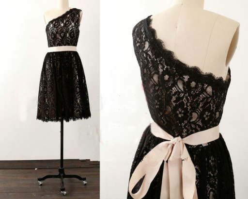 Black Lace One-Shoulder Short Bridesmaid Dress Featuring Bow Accent Belt